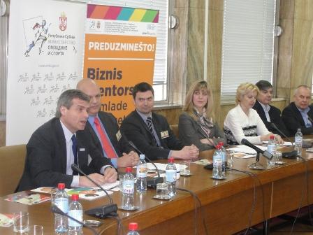 Mentori i preduzetnici u Ministarstvu omladine01