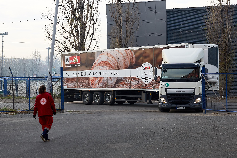 Velika-novogodišnja-donacija-za-Crveni-krst-Beograd